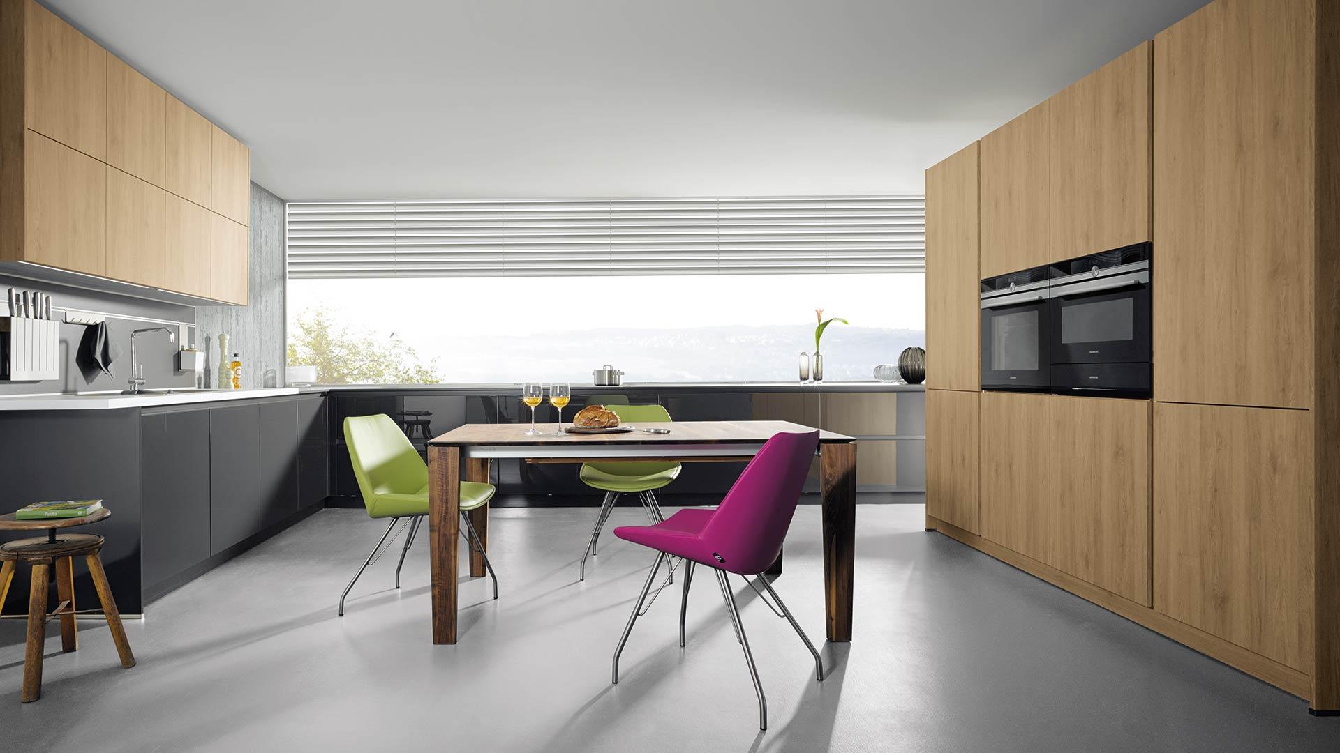 k chenstudio deggendorf tische f r die k che. Black Bedroom Furniture Sets. Home Design Ideas